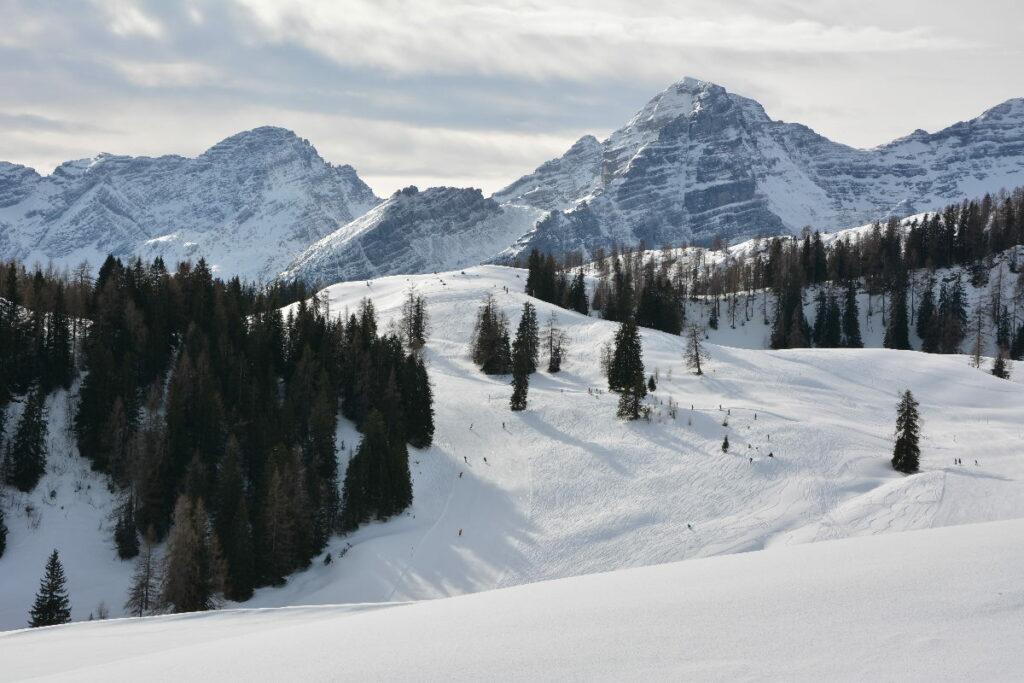 Skiurlaub mit Kindern Österreich - so weitläufig ist die Skialm Lofer