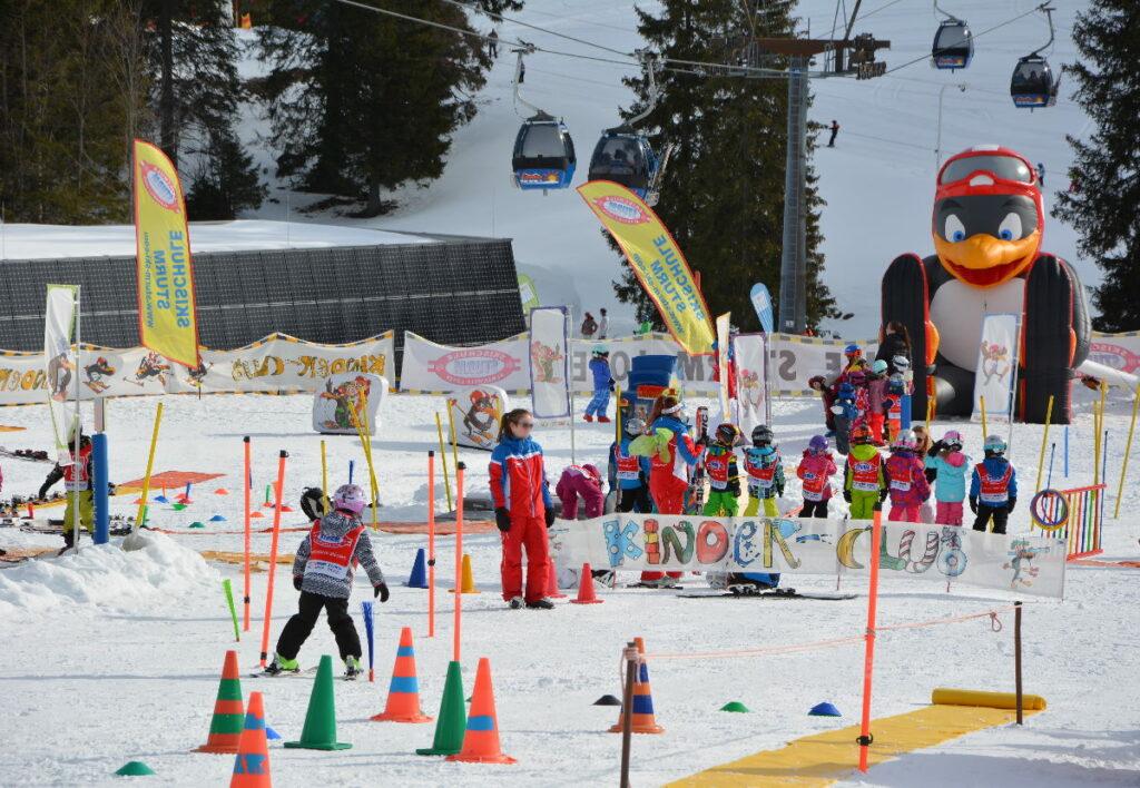 Skiurlaub mit Kindern Österreich - das ist das tolle Übungsgelände der Skialm Lofer