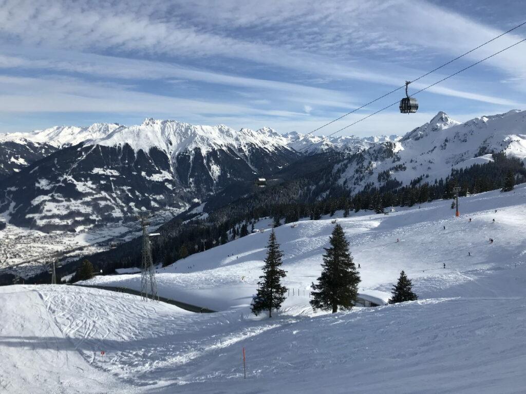 Skiurlaub mit Kindern Österreich - viele tolle Skigebiete locken, so wie hier der Golm im Montafon