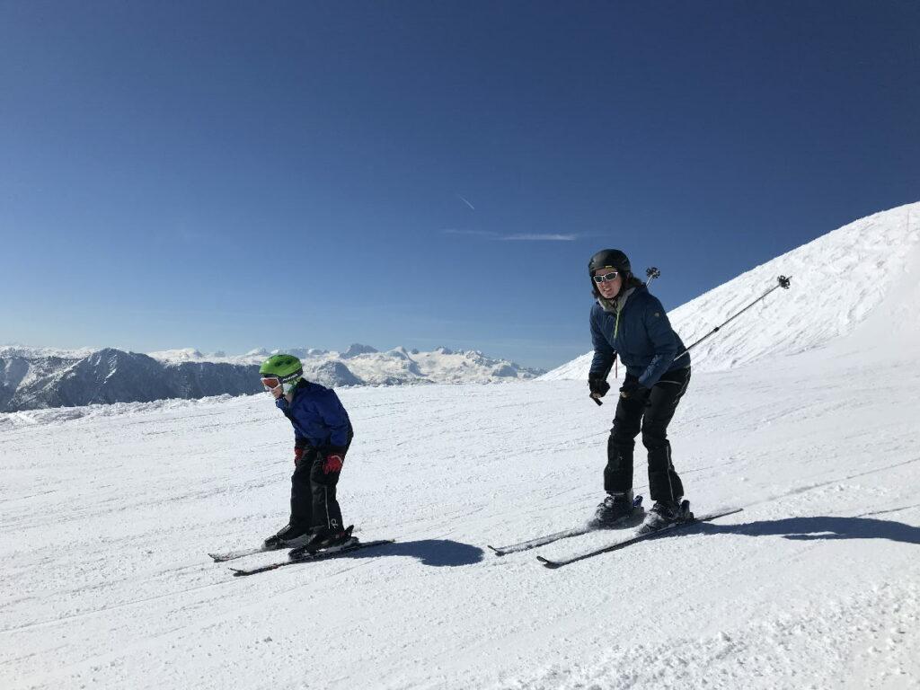 Eine tolle Abfahrt im Skiurlaub mit Kindern in Österreich - der Loser