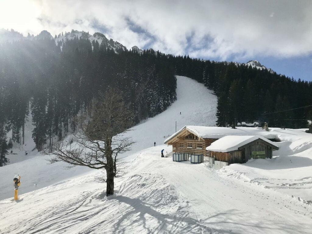 Skiurlaub mit Kindern Deutschland - und auf der Kolbensattelhütte einkehren
